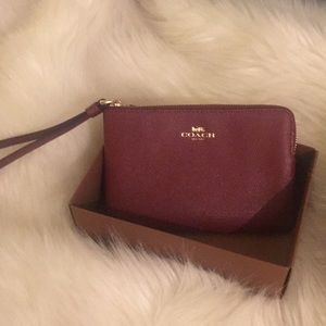 Leather Coach wristlet - Perfect Fit